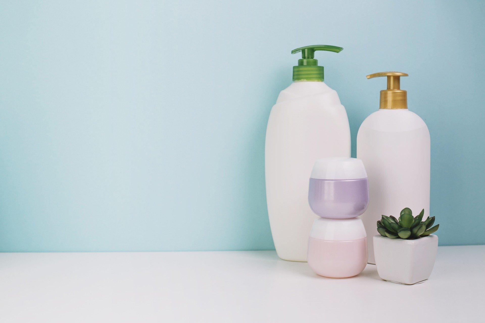 naturalne kosmetyki w łazience